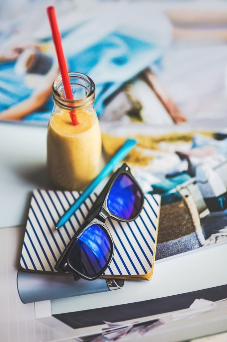 sunglasses-791606_1280